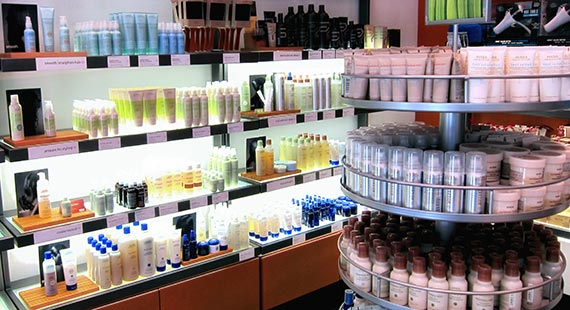 Photo_Cinta_Aveda_Store_Products_Display_(3475)_50_570x310